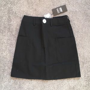 BRAND NEW LF Black skirt